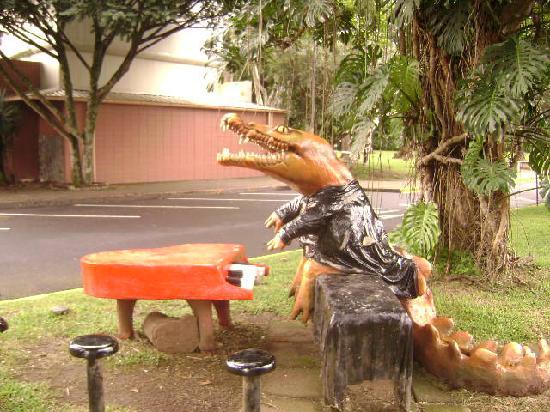 Universidad de Costa Rica: Art Around the UCR