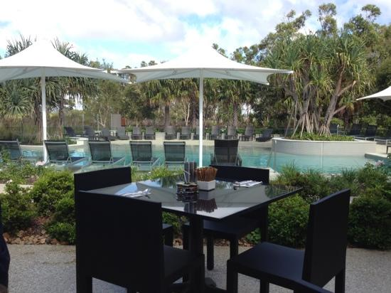 RACV Noosa Resort : the pool area from the restaurant.