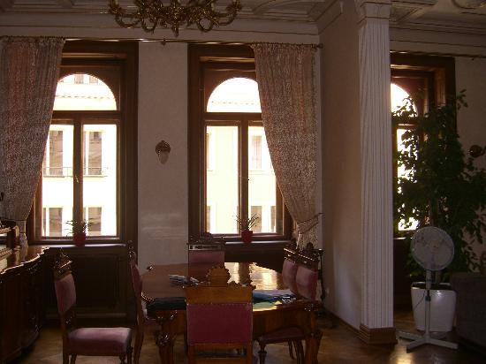 Malostranska Residence: Dinning