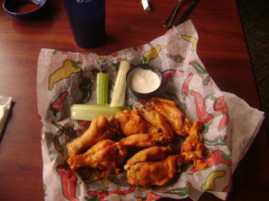 La Senorita Mexican Restaurant: Hot Wings