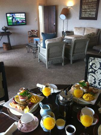 Delamore Lodge: They bought breakfast to our room, dont think I have ever experienced such a great fruit platter