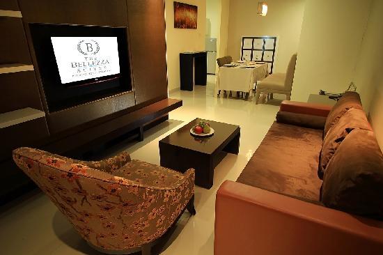 The Bellezza Suites: Family Suite Lounge