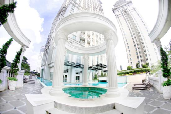 The Bellezza Suites: Whirpool