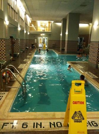Philadelphia Marriott Downtown: pool