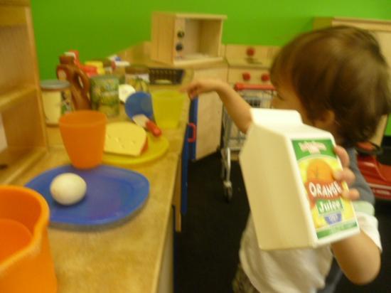 Amaya Papaya: our little boy in the kitchen