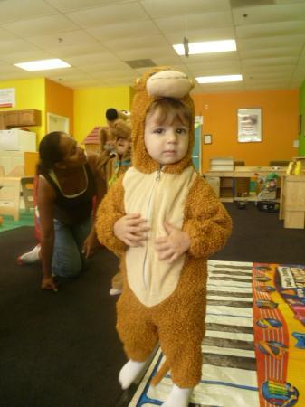Amaya Papaya: A monkey and nice parents/staff