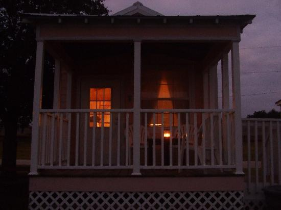 Lake Okeechobee Outpost: outside cabin