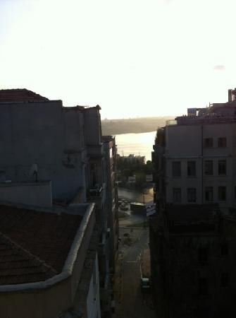 Tunel Residence: golden horn from 6th floor