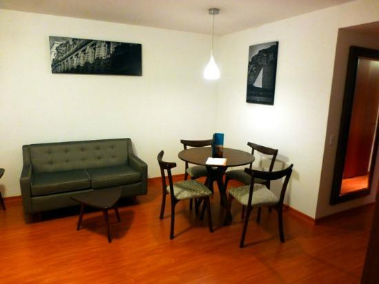 Casa Andina Select Miraflores: Sitting area of the suite.