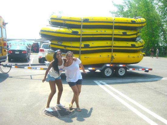 Rafting Montreal & Jetboating: Size of the rafting boat