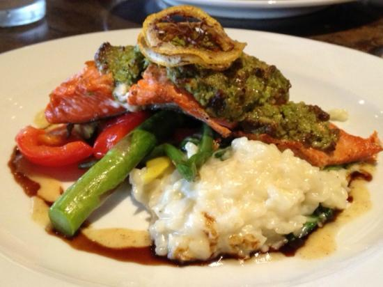The Salmon House: Main course - sockeye salmon
