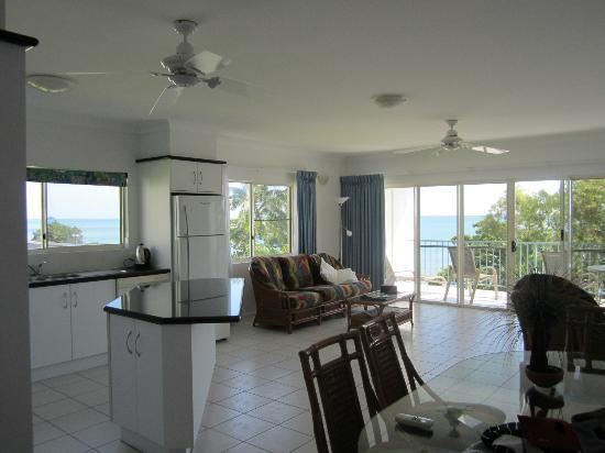 Beachfront Apartments on Trinity Beach: Huge 2B/r Unit with Wrap-Around Views