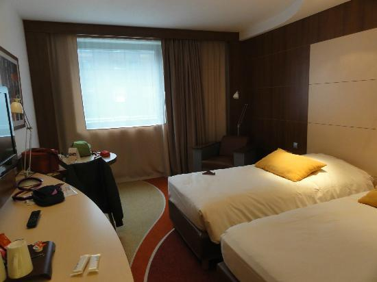 Mercure Toulouse Centre Compans : camera standard twin bed