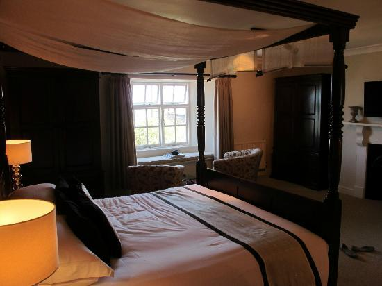 Strete Barton House: King room