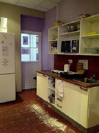 Le Montclair Hostel : 廚房