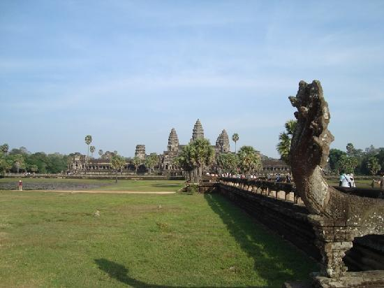 David Angkor Guide - Private Tours: Angkor Wat temple