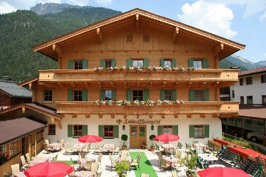 Hotel Waidringer Hof - 1. Tiroler Glückshotel: Landhaus mit Terrasse