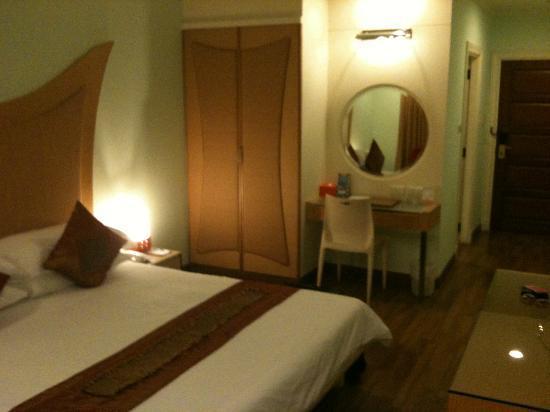 The Palazzo Bangkok: Room
