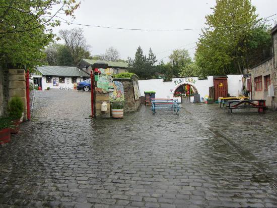 Gorgie City Farm: farm entrance