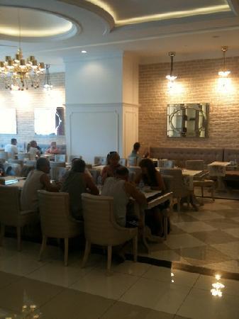 Delphin Imperial Hotel Lara: indoor dining room