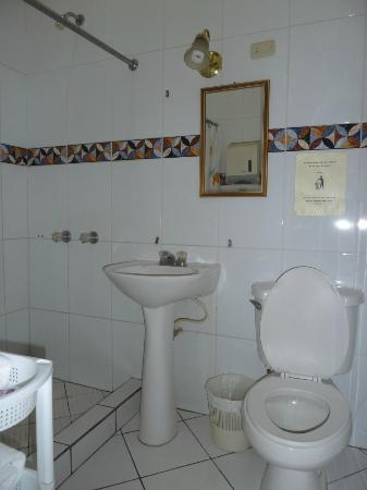 bathroom in hotel Casa de las Fuentes