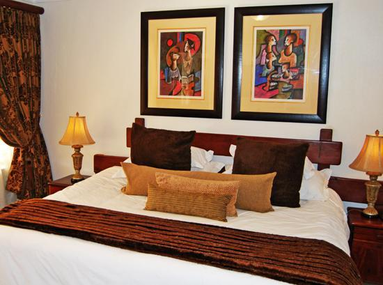 Afrique Boutique Hotel Oliver Tambo: Guest Room