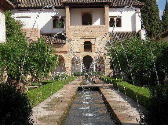 Los jardines del palacio del generalife granada - Residencia los jardines granada ...