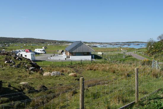 Sunnyside Croft Touring and Camping Site: View across site with facilities block in centre