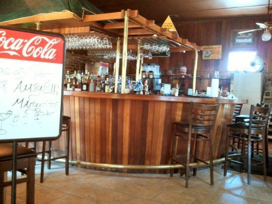 La Cocina: Bar area.