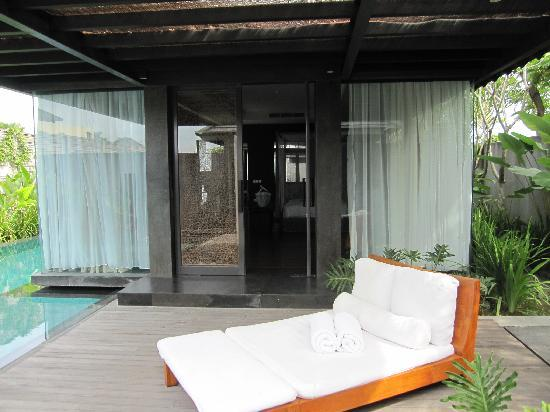 SILQ Private Residences Kerobokan Bali: inside villa, at the entrance to the room