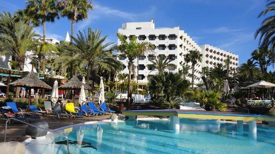 Corallium Beach By Lopesan Hotels : Hôtel avec piscine