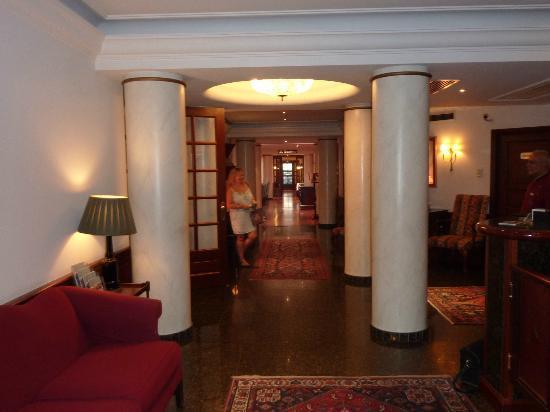 Eurostars Montgomery: HALL DE L HOTEL