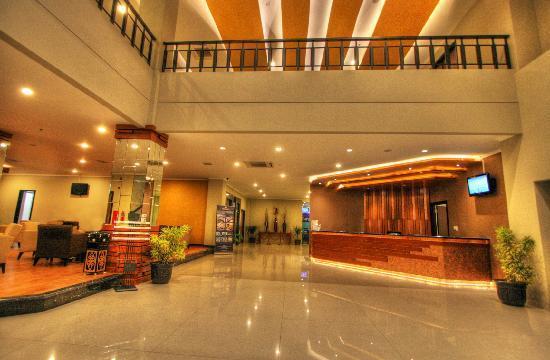 Hotel Dafam Pekalongan: Lobby