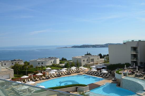 Kempinski Hotel Adriatic Istria Croatia: Pool vom 2 Stock