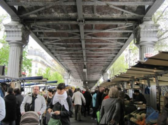 Marché Grenelle: lots of stalls under the metro bridge