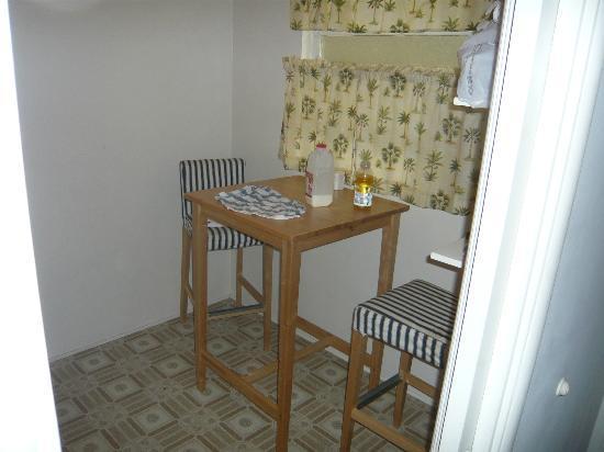 Bayside Hotel: Sitzecke in der Küche