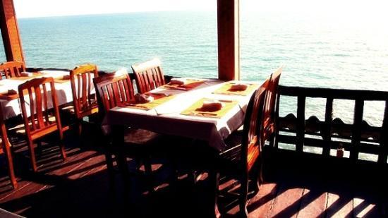 Invito Al Cibo Italian & Thai Restaurant