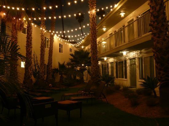 Bayside Hotel: Blick in den Innenhof