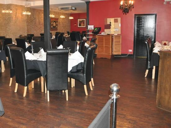 Tiffins Restaurant and Bar: Restaurant area