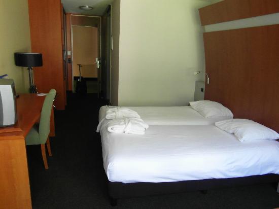Hotel Thermae 2OOO : ruime kamer