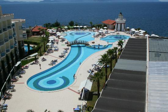 Sealight Resort Hotel : piscine