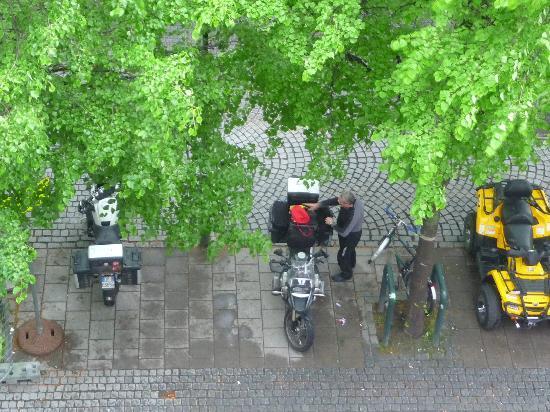 Nova Hotell Kurs & Konferanse: vista dalla camera sul piazzale