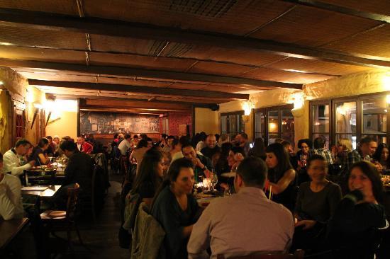 Barrios: Oberer Restaurantbereich