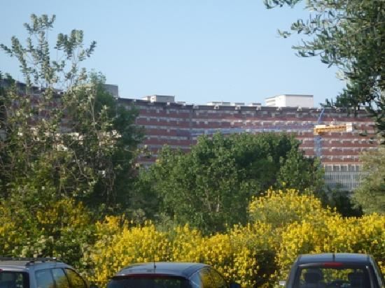 """Hotel Siena degli Ulivi: Dal parcheggio verso """"le Scotte"""""""