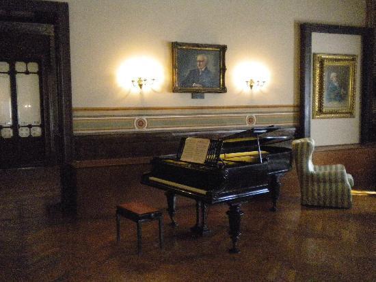 Casa di Riposo per Musicisti Giuseppe Verdi: sala musica (interno)
