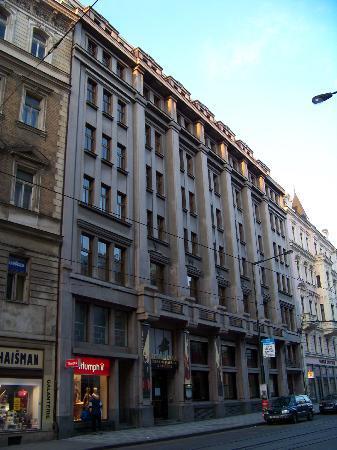 Street view of Republika
