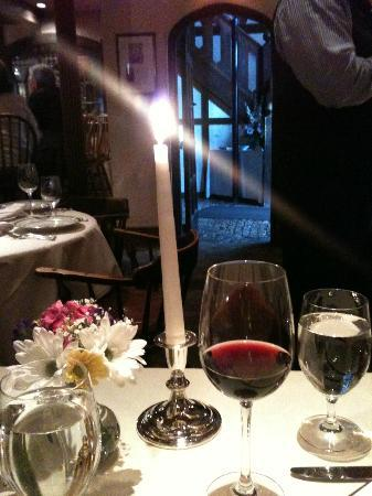 1789 Restaurant : nice touch of tall single candle