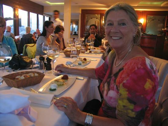 Afiyet Olsun Istanbul-  Cooking Workshop : Ruth loves ambiance.