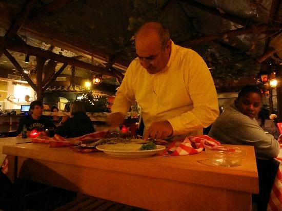 Taormina: reaturant owner prepare one of the specials