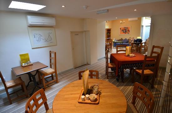 The Orangerie Brasserie and Patisserie: Interior